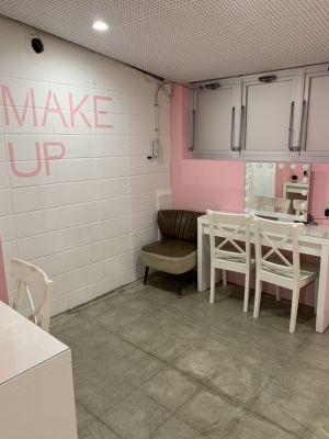 池袋AKビル IKEMENBOXの室内の写真