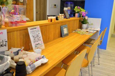 健康カフェODL カフェスペースの室内の写真