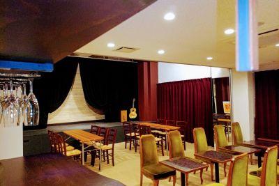 伽琉駝門(カルダモン)カフェ オールスペース(全店)の室内の写真