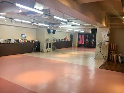 スタイルフレーバー六本松校 ストリートダンススタジオの室内の写真