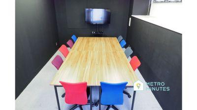 【AND ON10名会議室】 モニター無料の貸し会議室♪の室内の写真