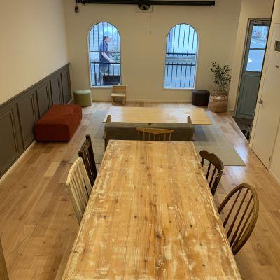 小さなお子様との集まりには座卓タイプのテーブルもご用意できます。 - つどいのば アコエコト 貸し空間の室内の写真