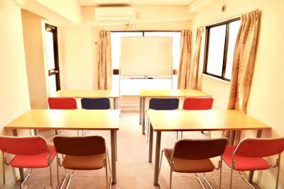 アットホーム ② 新宿眺望便利静寂綺麗多目的会議室の室内の写真