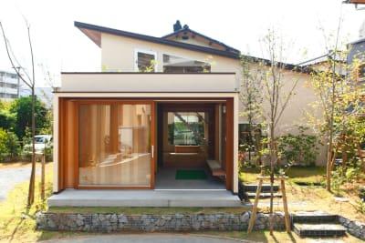 小倉町家 吹抜大空間のキッチン付スペースの外観の写真