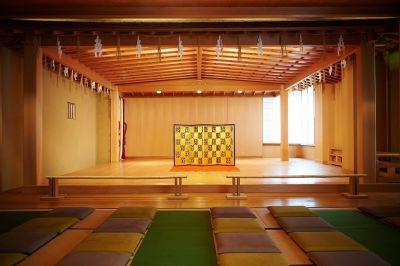 総檜能舞台 3階併用利用の場合に限り、5,500円 - 岡崎庵 ~ホールや和室・キッチンなど完備の室内の写真