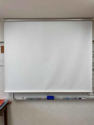 勾当台ハイツ サロンスペースの室内の写真
