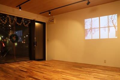 YORIAI西川口 レンタルスペースの室内の写真