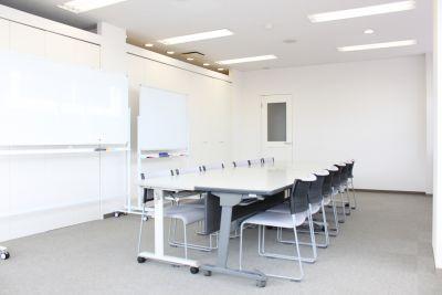 会議室 - レンタルスペースどっとこむ 貸し会議室の室内の写真