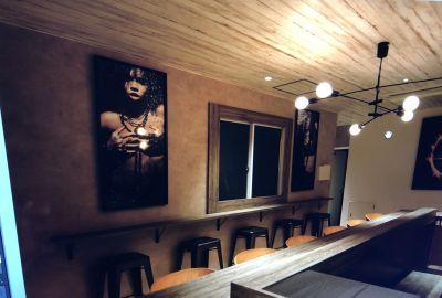 Next k2ラウンジ イベント、サロンスペースの室内の写真