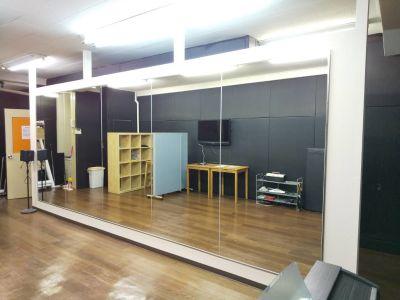 秋葉原スタジオ Tera-coya(てらこや) 3F音響・ダンスフロアの室内の写真