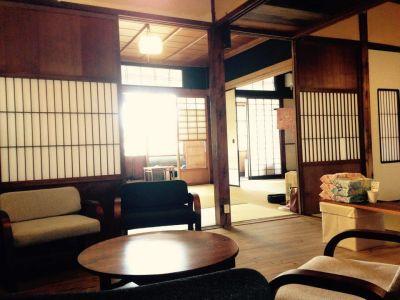 Kanazawa旅音 共有スペースの室内の写真