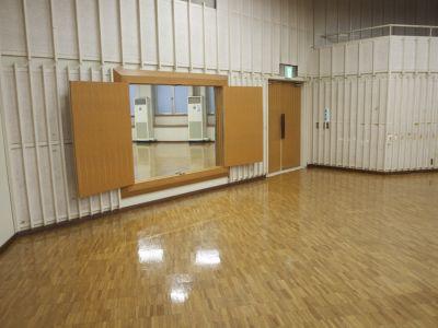 横浜YWCA会館 3Fホールの室内の写真