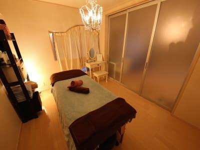 美容レンタルスペース エステ、リラクスペースの室内の写真