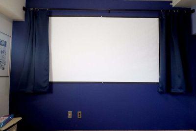プロジェクターあります - リビングanimo 2部屋ある多目的スペースの室内の写真