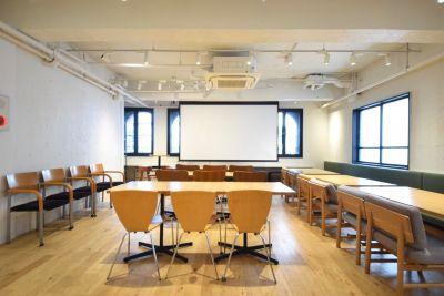 シブニラウンジ イベントスペース(2階)の室内の写真