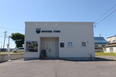 モトヤマスタジオ レンタルスタジオの入口の写真
