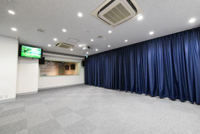 スペース全体写真② - STUDIOLOVOXUMEDA 多目的スペースの室内の写真