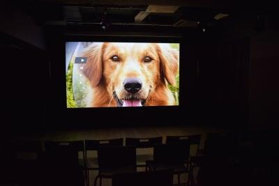 CLEOスタジオ マルチメディアスペースの室内の写真