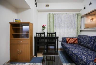 新宿コージースペース サロンスペースの室内の写真