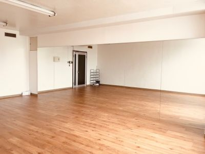 ダンススタジオメイザの室内の写真