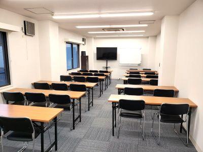 ★スクールプレゼン形式★ - ★マルチアクセス貸会議室@アキバの室内の写真