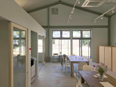 KOKUBAN OFFICE カフェ併設ワークスペース!の室内の写真
