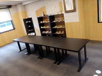 天野ビル ギャラリー、会議室、和の集まりの室内の写真