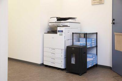 DIGIMA BASE 会議室(最大4人収容)の設備の写真