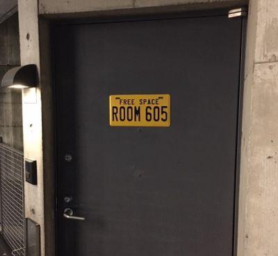 フリースペース605の入口の写真