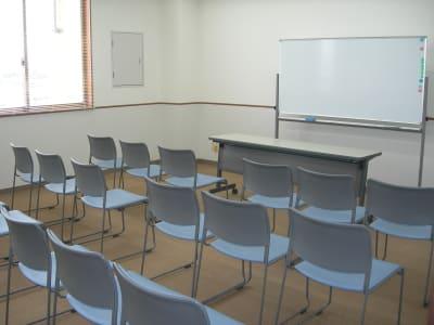 サン  プラスパ 小会議室の室内の写真