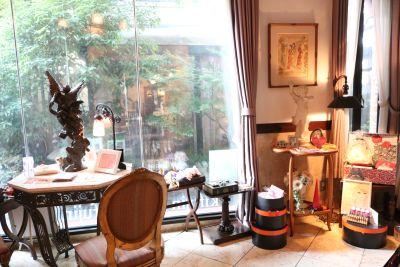 アニバーサリー  エッセンス サロンスペースの室内の写真