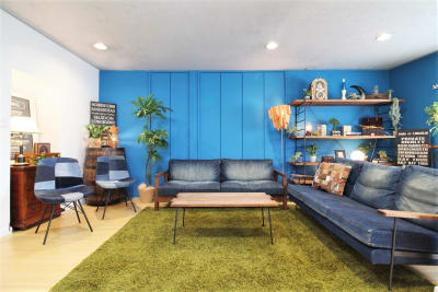 【ブルー壁面】 - 池尻セレクトハウス テレビ・CM・動画配信撮影などの室内の写真
