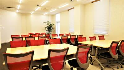 NATULUCK池袋 会議室8階の室内の写真