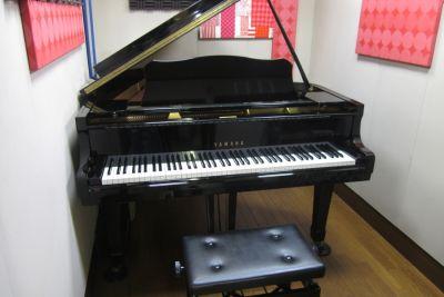 ヴァーヴミュージックスクール Aスタジオの室内の写真
