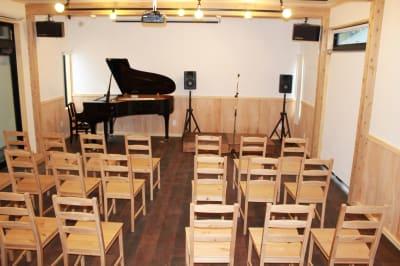 多目的ホール 多目的スペースの設備の写真