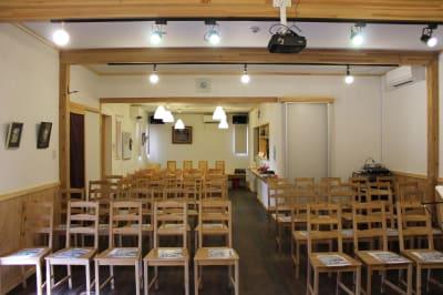 多目的ホール 多目的スペースの室内の写真