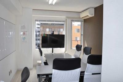 GS横浜東口会議室の室内の写真
