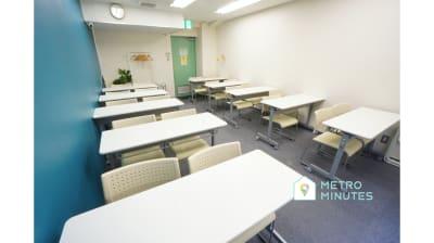 【マロン会議室】 プロジェクタ無料の貸し会議室♪の室内の写真