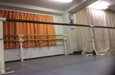 【貸しスタジオ】博多S.D.B 20名用個室スタジオの室内の写真