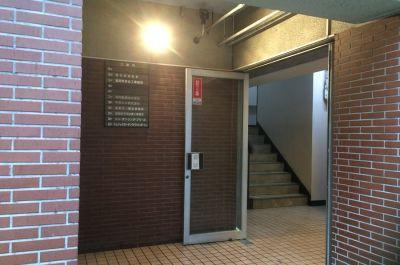 【貸しスタジオ】博多S.D.B 20名用個室スタジオの入口の写真