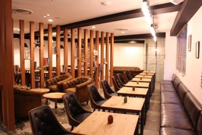 新宿南口ラウンジ6F 多目的スペースの室内の写真
