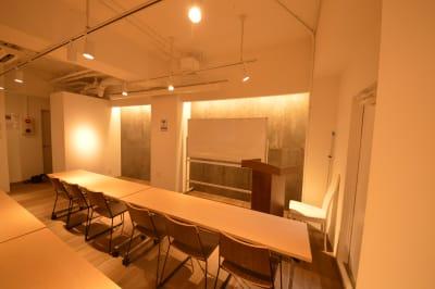 アクシス南森町 Ⅲビル 研修・セミナー・教室に!(3F)の室内の写真