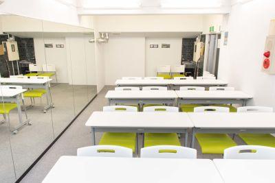 講師側の目線です。 - ブルースペース神田(貸スペース) レンタルスペース・ダンススタジオの室内の写真