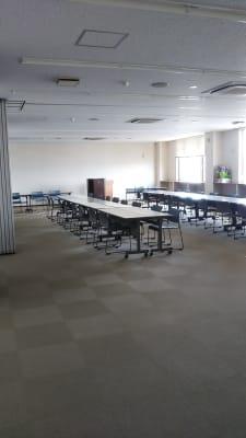 サン  プラスパ 大会議室の室内の写真