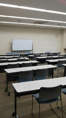 サン  プラスパ 中会議室の室内の写真