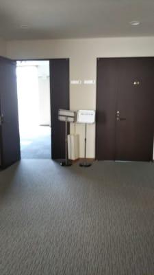 サン  プラスパ 中会議室の入口の写真