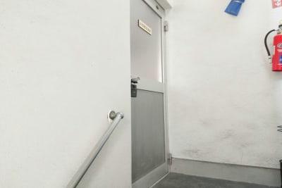 お気軽会議室 鹿児島中央駅西口 貸会議室の入口の写真