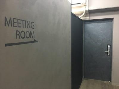 ◆表参道駅徒歩1分の会議室 表参道会議室の入口の写真