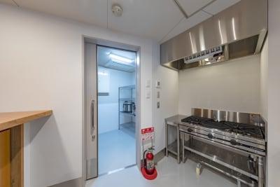 ホテル丸福京都東山 キッチンの設備の写真