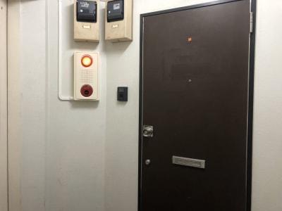 レインボープラス 要町教室 貸し出し多機能室の入口の写真